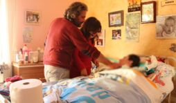 Assistenza domiciliare h24 per Sergio, 16 anni e disabile gravissimo: la sentenza del tribunale