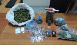 Cassibile, marijuana e hashish nascoste in cucina: in manette 35enne