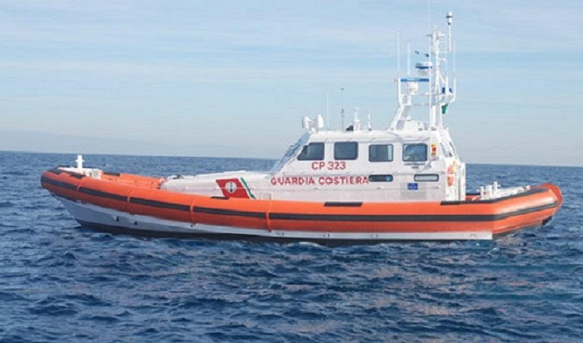 Portopalo, soccorso a barca a vela in avaria a 2,5 miglia dalla costa