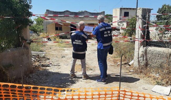 Siracusa, discarica abusiva all'interno di un'area privata a Tivoli: arriva il sequestro