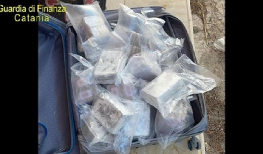 Traffico di droga tra la Spagna e la Sicilia, 3 arresti