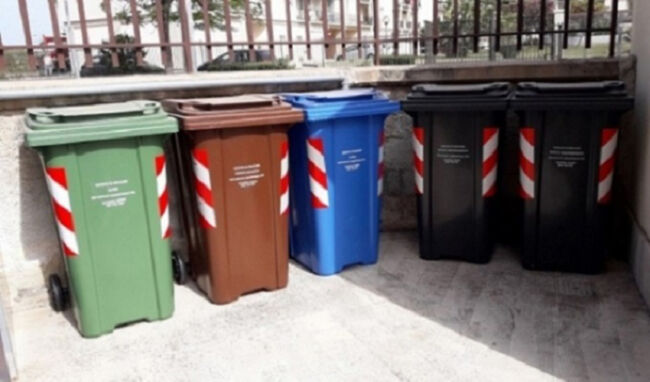 Siracusa, indifferenziata e plastica: oggi e domani raccolta in ritardo