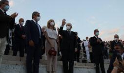 Siracusa, un lungo applauso saluta l'arrivo del presidente Mattarella al Teatro Greco
