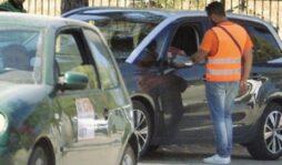 Siracusa, parcheggiatori abusivi nonostante il daspo urbano: 2 denunce