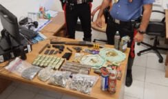 Nascondeva armi e centinaia di cartucce: arrestato a Noto