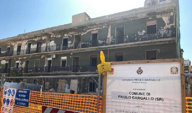 Al via a Priolo i lavori di demolizione dell'ex cinema Italia