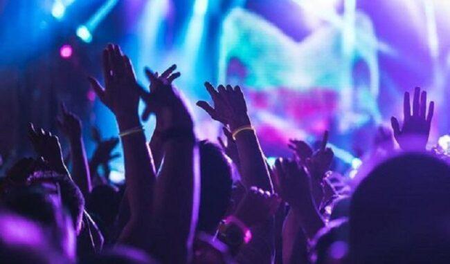 Mega party in spiaggia non autorizzato a Siracusa la notte di San Lorenzo, inchiesta della Procura