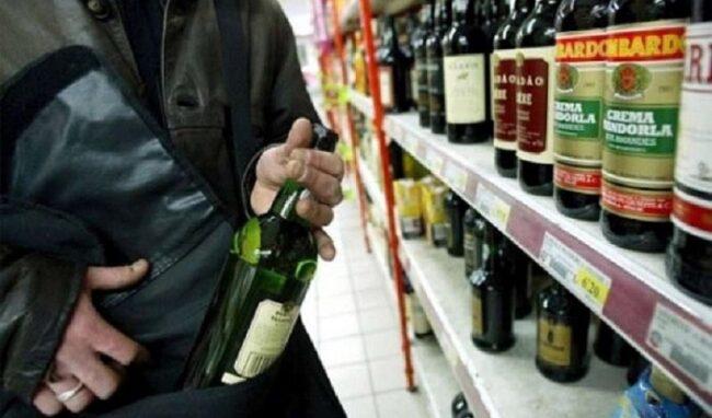 Furto di liquori ai danni di un supermercato: denunciato un 40enne di Siracusa