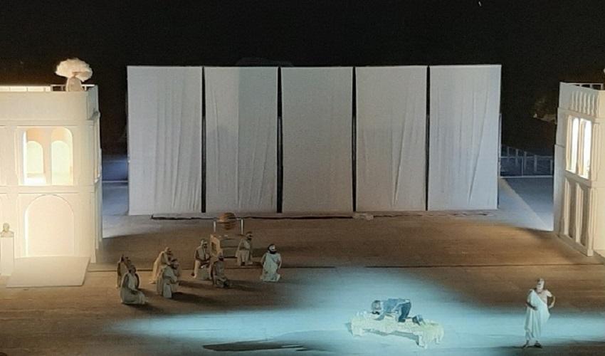 Siracusa, al Teatro Greco il debutto di Nuvole la commedia di Aristofane: comicità e riflessione