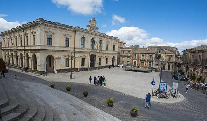 Palazzolo Acreide, delibera illegittima sulla decadenza della consigliera Giulia Licitra