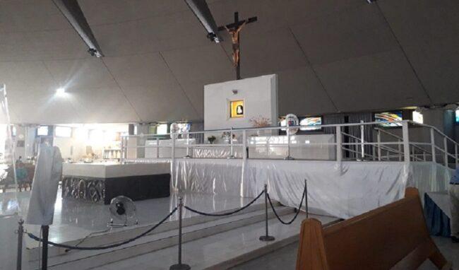 Pedana sull'altare maggiore del Santuario della Madonna delle Lacrime