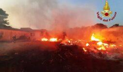 Allerta rossa per rischio incendi in provincia di Siracusa per domani 4 agosto