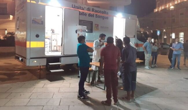 Vaccinazione anticovid anche a Ferragosto in piazza Pancali