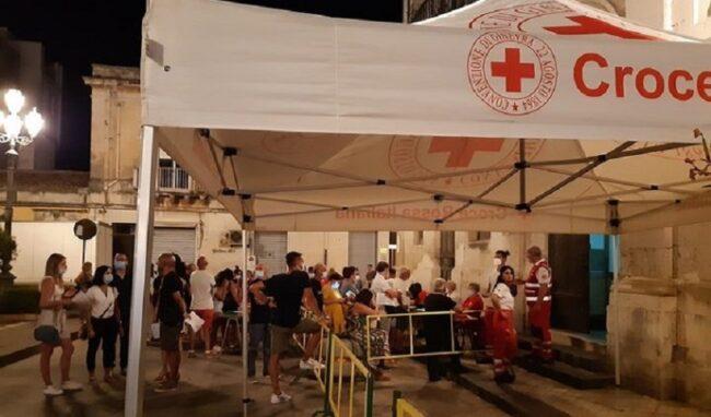 Serata di vaccinazione anticovid straordinaria in piazza Plebiscito a Solarino