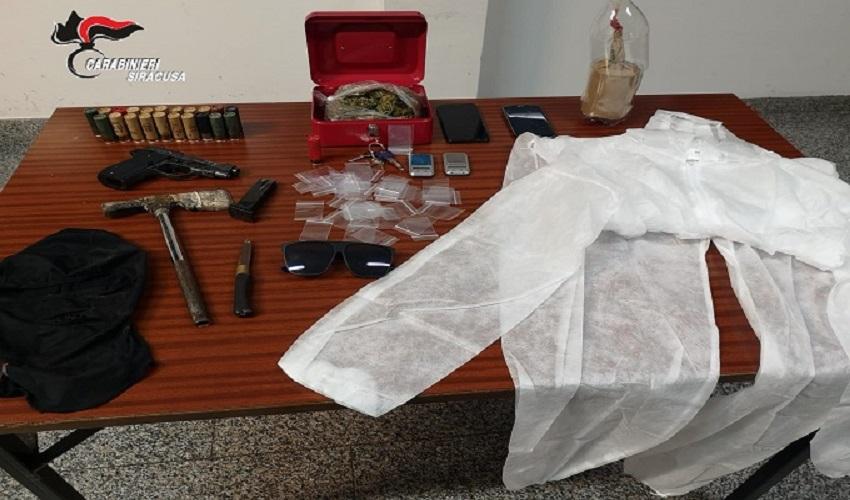 Tentano invano la fuga, a Floridia arrestati due sospetti rapinatori