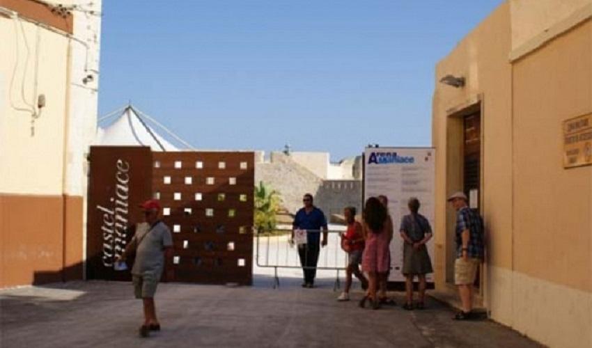 Boom di visitatori ad Agosto nei siti culturali: quasi 18.000 al Castello Maniace