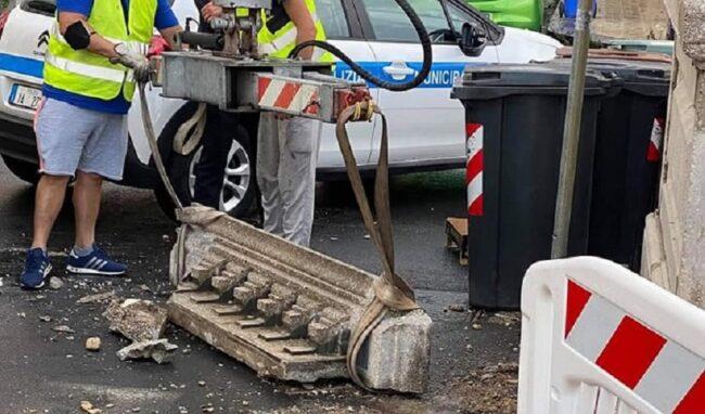 Distacco cornicione da un pilone del ponte Umbertino, il Comune scrive alla Soprintendenza