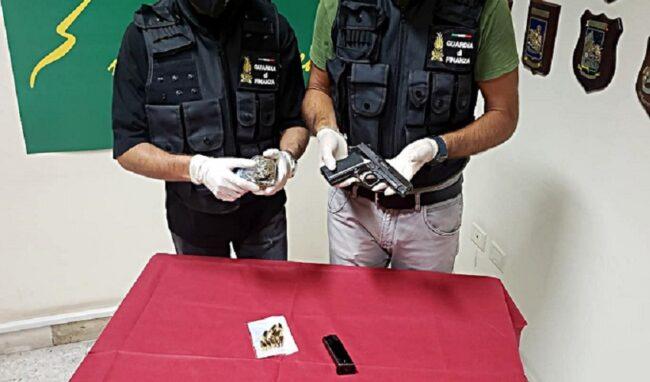 Pistola e munizioni in auto, arrestato lentinese di 35 anni