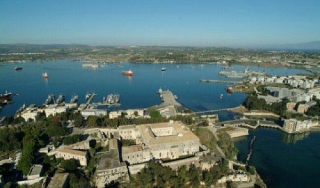 Deposito Gnl nella rada di Augusta, Decontaminazione Sicilia invoca il referendum