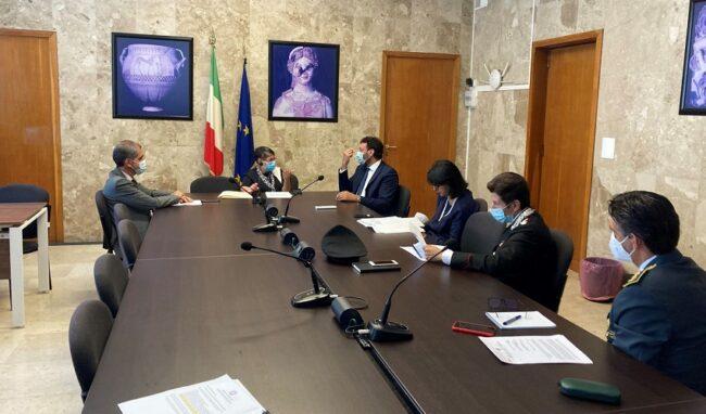 Emergenza sicurezza, riunione in prefettura: danneggiamenti, furti e rapine ma denunce assenti