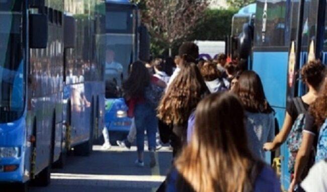 A Siracusa autobus aggiuntivi per il trasporto scolastico
