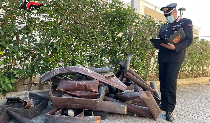 Furto di grondaie in rame da edifici del centro storico a Noto: 4 denunciati