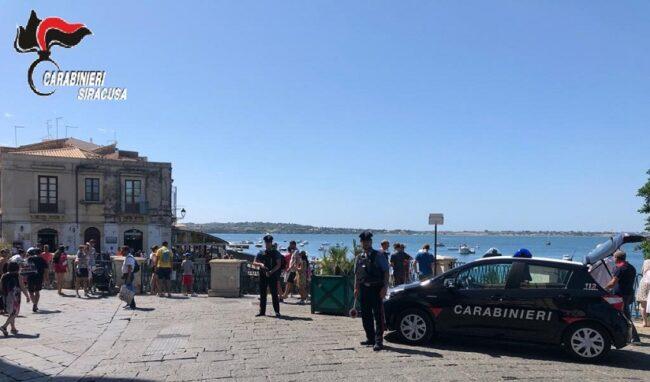 Lavoratore in nero con reddito di cittadinanza in una panineria di Ortigia: attività sospesa