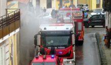 Incendio in una tabaccheria a Belvedere: sul posto i vigili del fuoco