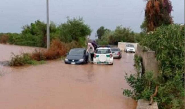 Allagata la provinciale 104: strada chiusa con la Polizia provinciale in soccorso degli automobilisti