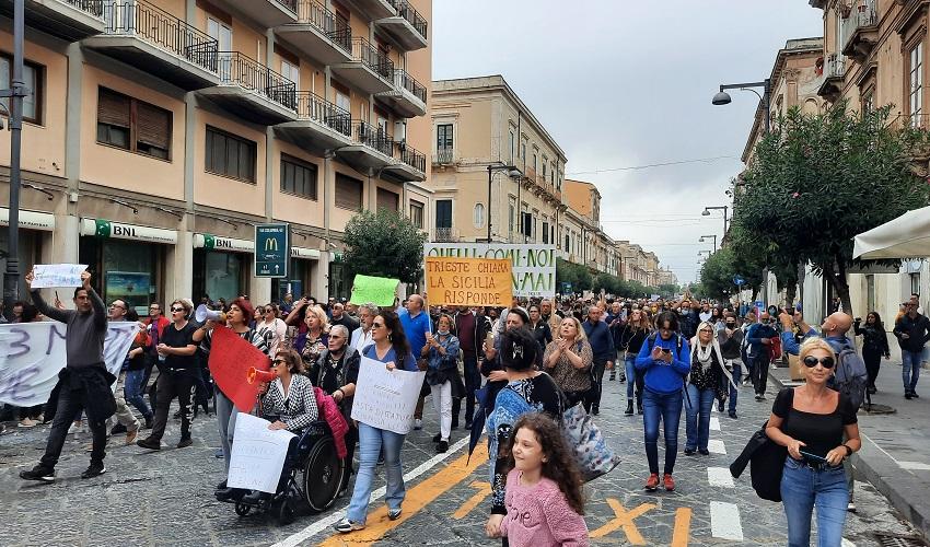 "Manifestazione ""No green pass"" a Siracusa: corteo dal Pantheon a piazza Pancali"