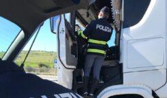 Turni di guida massacranti per gli autisti: misure cautelari per titolare e dipendente di società di autostrasporto