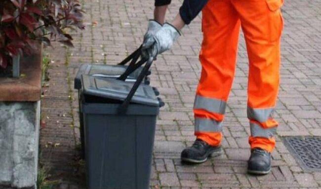 Raccolta rifiuti nelle contrade marine e case sparse: dal 4 ottobre cambia l'orario