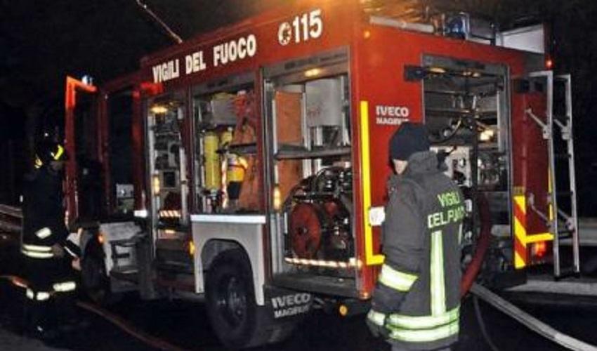 Incendio in un abitazione di Adrano: muore un 51enne